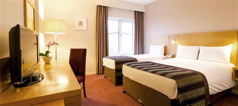 Bedroom Pictures Manchester Hotel Rooms Manchester Jurys Inn Hotels