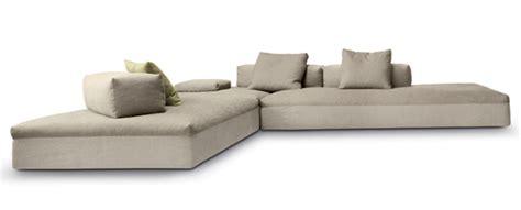 divani compatti divano monopoli by d 233 sir 233 e divano marc sadler