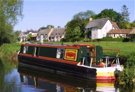 boating holidays cambridge fox narrowboats customer testimonial of the month