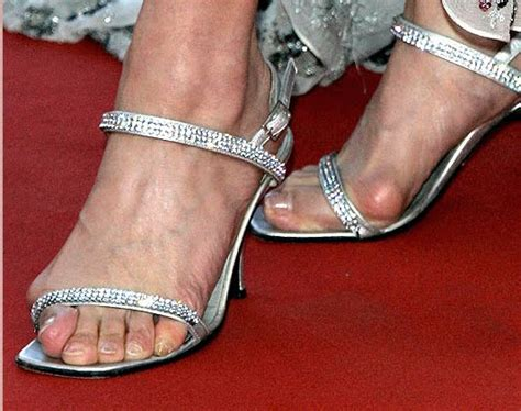 sandals that cover bunions why i don t wear barely there heels