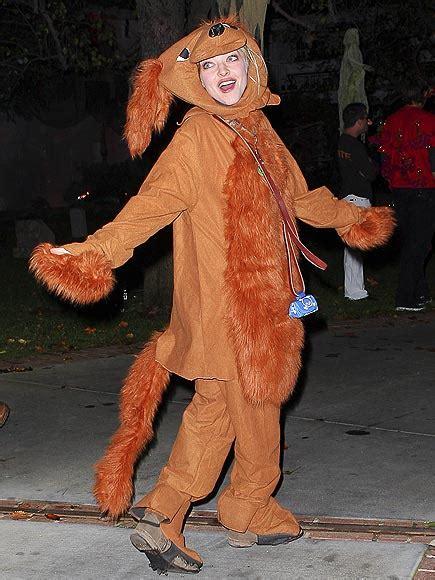 amanda seyfried halloween celeb s halloween costumes salmaglamour