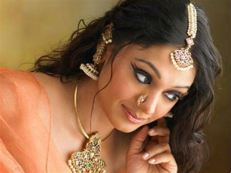 malayalam gossip sites shobana manju warrier kavya madhavan top 5 actresses