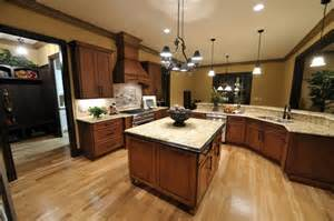 Kitchens With Hardwood Floors And Wood Cabinets by 53 Charming Kitchens With Light Wood Floors Page 3 Of 11