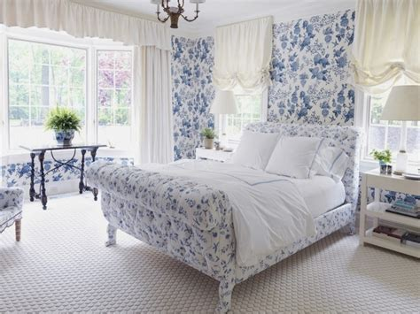 Blaue Tapeten Schlafzimmer by Traditional Bedroom Decor Blue Floral Bedroom Country
