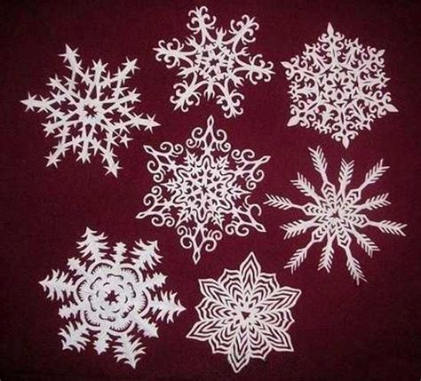 Make Paper Snowflakes For Decorations - paper snowflakes and garlands charming handmade
