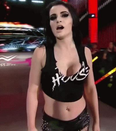 oh my… wwe superstar paige drops some huge braless cleavge