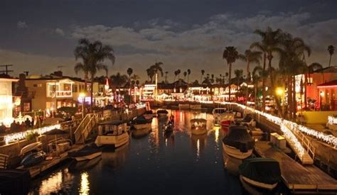 boat place naples naples island holiday boat parade california beaches