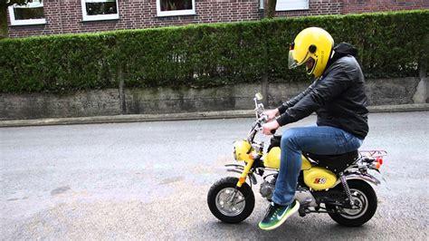 Honda Motorrad Monkey by Unterwegs Mit Der Honda Monkey Youtube