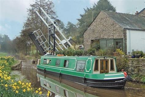 canal boats online brecon canal boat holidays cambrian cruisers book online