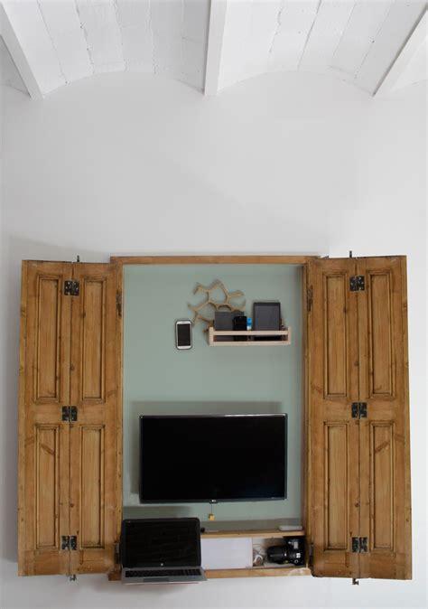 Meja Belajar Barcelona penggunaan smart furniture yang menghemat ruang di rumah