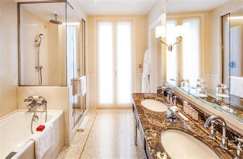 vasca da bagno in francese camere deluxe a palazzo parigi hotel 5 stelle