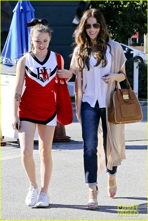 Kate Beckinsales Anorexia Comments Enrage Sufferers Parents by Kate Beckinsale Tavern Family Lunch Photo 2747109