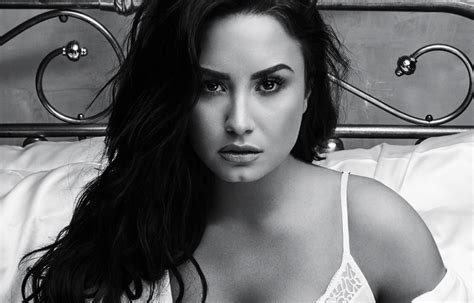 demi lovato sober wallpaper demi lovato s sober is a raw uncut and emotional look