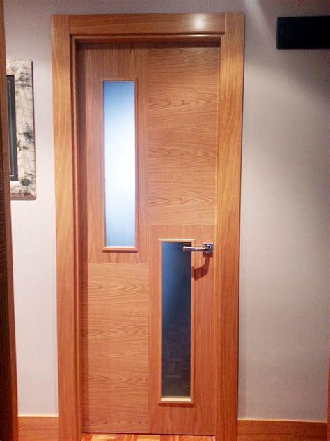 Armarios Empotrados Interior #3: Carpinteria-iberre-puerta-madera-roble-vetas-cruzadas-03.jpg