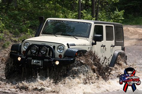 muddy jeep wrangler jeep wrangler mudding wallpaper www pixshark com