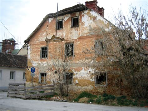abandoned structures file karlovac abandoned buildings jpg wikimedia commons