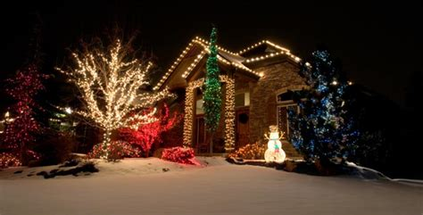 professional christmas light hanging nationwide office