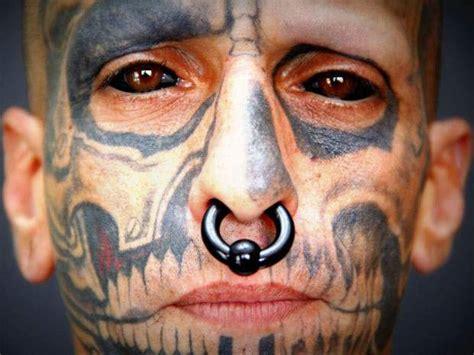 tattoo eyeball man brazilian man becomes a demon with eyeball tattoos heavy com