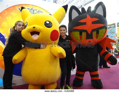Balon Pentungan Karakter Pikachu Go pikachu the stock photos pikachu the