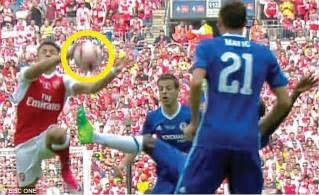 alexis sanchez volleyball chelsea players left seething by arsenal s opening goal