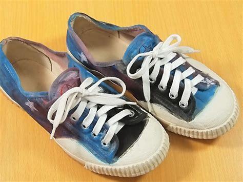 Sepatu Merek Keds cara menghias sepatu dengan motif luar angkasa wikihow