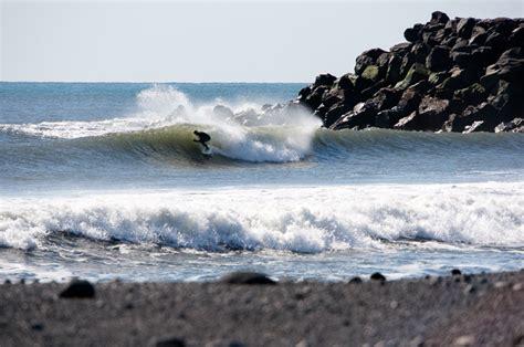 photographer shoots surfing series using solar power