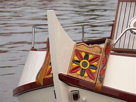 varen met een platbodem heerlijk varen met een traditioneel platbodem motorjacht
