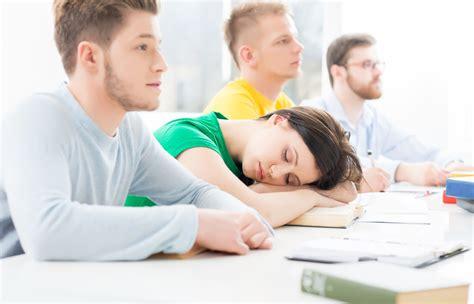 Or At School Study Social Media Disrupts Sleep Makes Sleepy At School South Florida Parenting