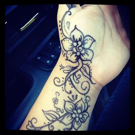 henna design with sharpie my henna with sharpie face painting pinterest henna