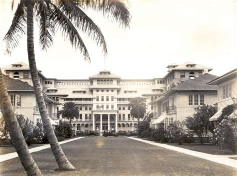 film festival moana surfrider photos of waikiki in the early 1900s and now hawaii