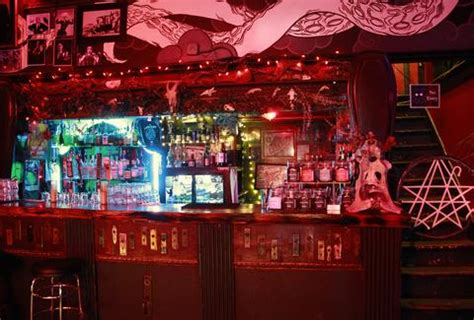 newspaper themed bar 21 best theme bars in america thrillist