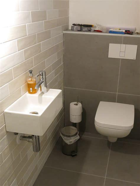 gäste wc ohne wandfliesen wc gefliest und montiert fix fertig haus