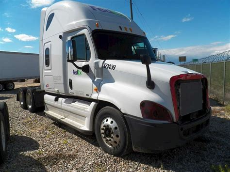 Florida Sleeper by 2012 Freightliner Cascadia 125 Sleeper Semi Truck For Sale
