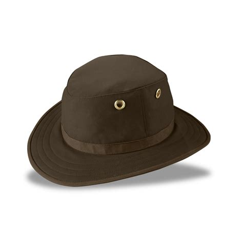 tilley outback hat countryside ski climb