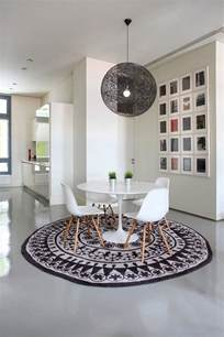 Round Rugs For Dining Room Pin It
