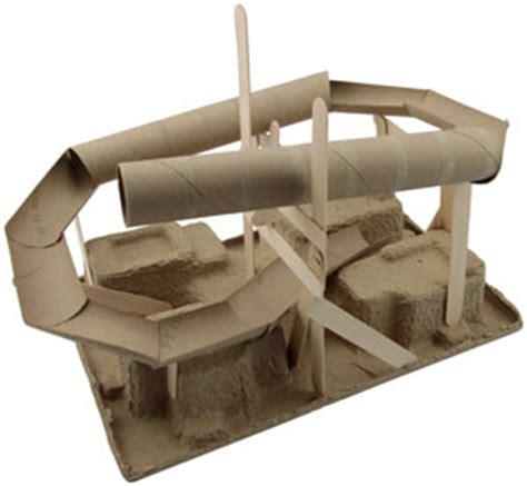 Wooden Toilet Paper Holder by Fabriquer Un Circuit Pour Billes En Rouleaux D Essuie Tout