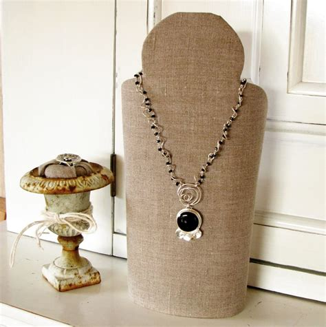 make your own jewelry display 1000 images about craft fair ideas on craft