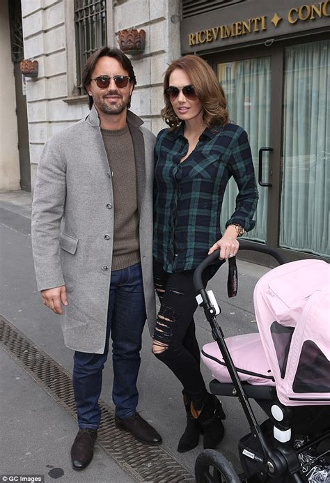 tamara ecclestone husband jay rutland welcome first child tamara ecclestone and daughter sophia wear clothes for