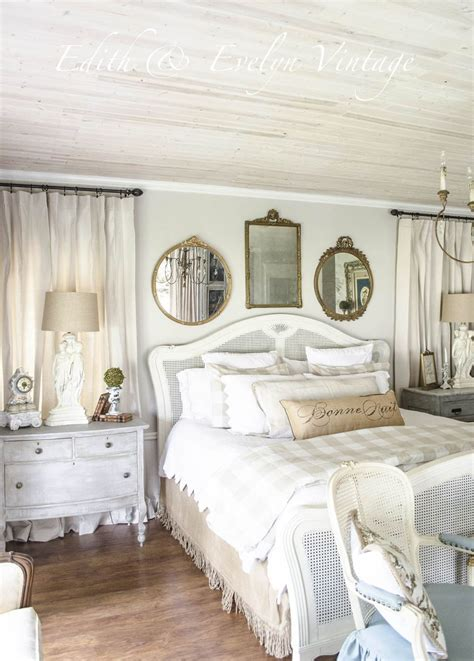 tips  creating   relaxing french country bedroom
