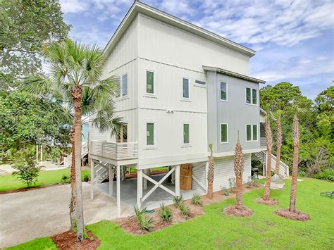 the top 20 townhouses for rent in folly beach airbnb the wedgie on folly beach brand new folly beach home