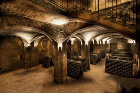 canelli per porte canelli celebra le cattedrali sotterranee e i paesaggi