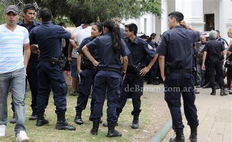 aumento para policia bonaerense 2016 ampl 237 an el aumento salarial al personal administrativo de