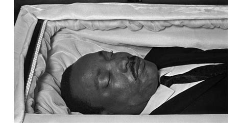 celebrity casket photos photos of celebrities in open caskets this will shock you