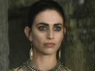 claudia black in queen of the damned 2002 b youtube queen of the damned