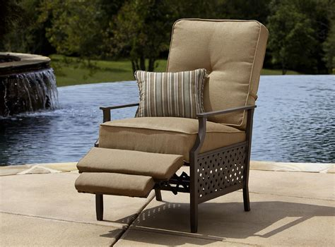 lazy boy outdoor patio furniture la z boy outdoor kennedy recliner outdoor living patio