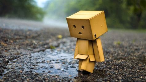 wallpaper bergerak sedih wallpaper android iphone wallpaper danbo sedih