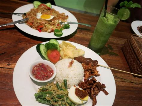 blogger food indonesia don t want to choose between travelling scuba diving