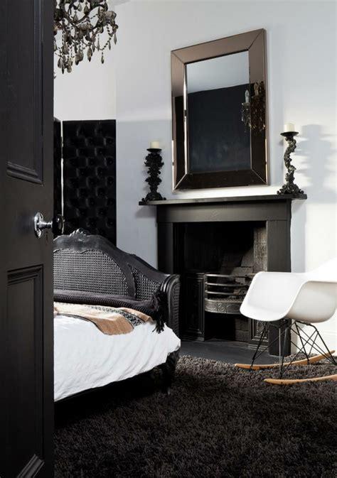 schwarze möbel welche wandfarbe schlafzimmer rot schwarz