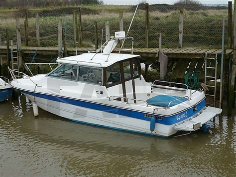 fishing boats for sale in essex uk bayliner trophy 2460 offshore essex fafb