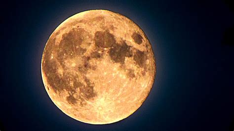 what is a strawberry moon so what s a strawberry moon anyway 9 facts hlntv com